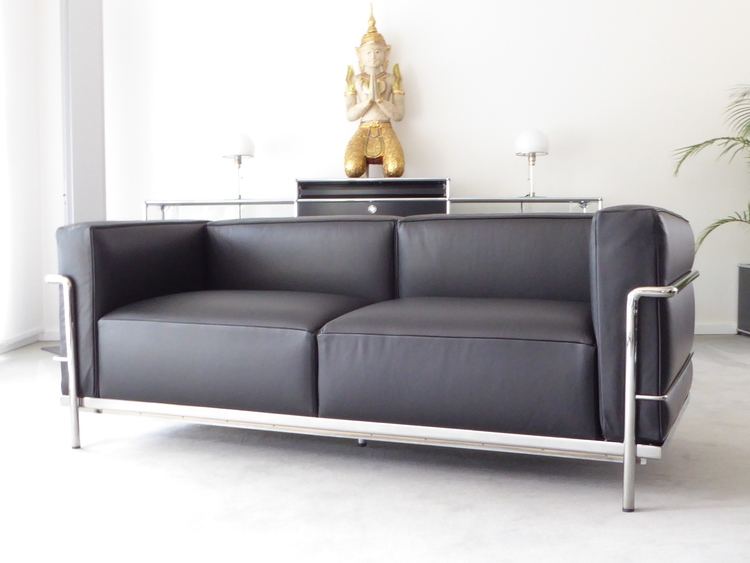 Cassina Le Corbusier LC3, 2-Sitzer, Leder schwarz, Top! — furniture4life