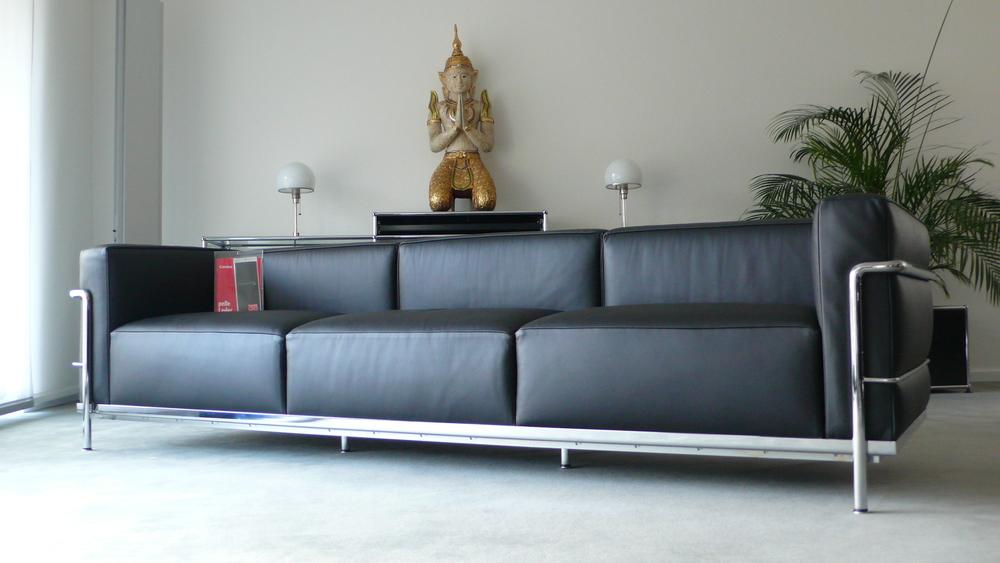 cassina le corbusier lc3 3 sitzer leder schwarz top furniture4life. Black Bedroom Furniture Sets. Home Design Ideas