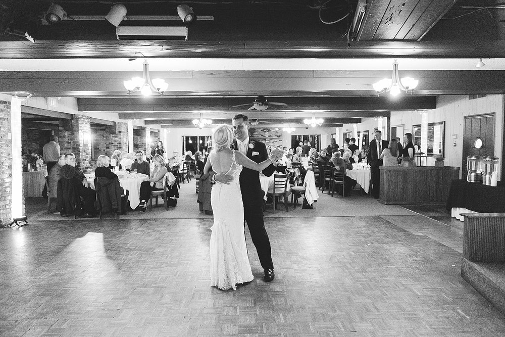 Bride and groom first dance at the Chart House Summer Wedding Lakeville Minnesota Minneapolis Wedding Photographer Mallory Kiesow