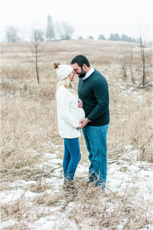 Minnesota winter maternity session Lake Ann Park Chanhassen photographed by Mallory Kiesow, Minnesota maternity photographer_018.jpg