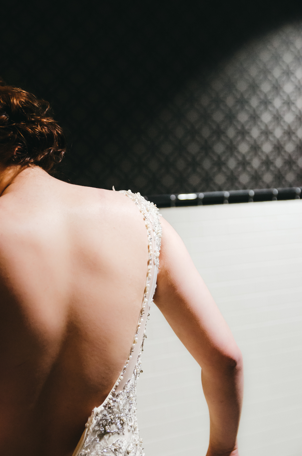 thebrasslens_thebrasslensgreenbay_backstageatthemeyer_elainesbridalcenter_greenbayweddingphotographer
