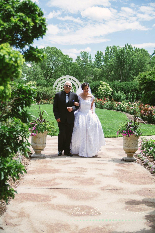 thebrasslens.greenbaybotanicalgarden.greenbayweddingphotographer.wisconsinweddingphotographer.weddingphotographersingreenbay.greenbaywedding.placesingreenbaytogetmarried.