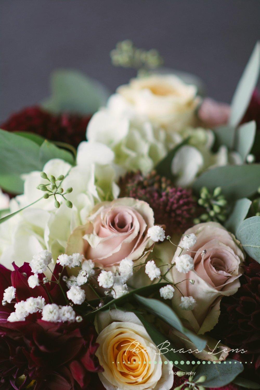 Thebrasslens.deperephotographer.greenbayfamilyphotographer.greenbayphotography.reasonablephotographeringreenbaby.hoppelyeverafter.gbpetalpushers.flowers.weddingflowers.