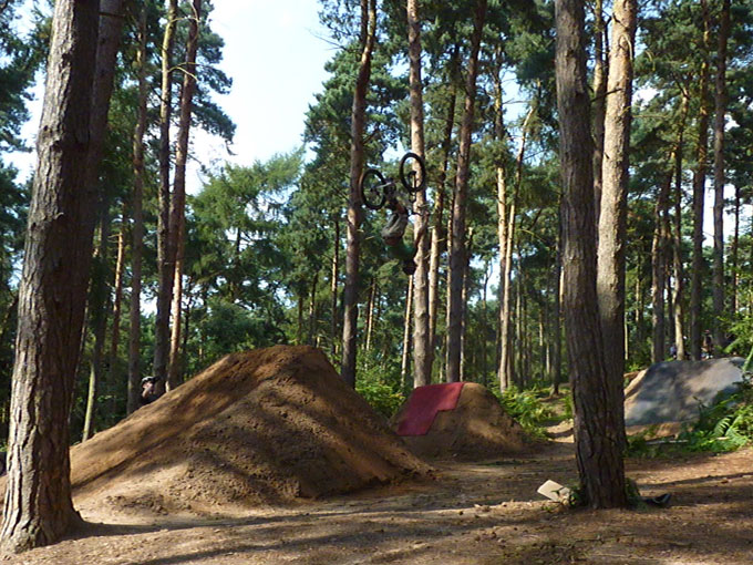 chicksands_dirt_jump_001.jpg