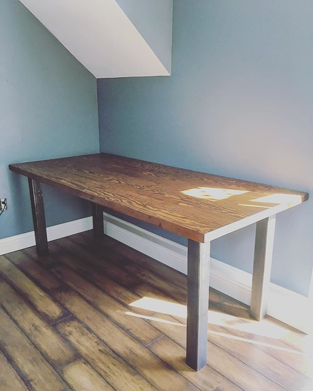 #metalandwood #desk #aplacetowork #officedecor #handmade #design #interiordesign #custom #reclaimedwood #reclaimed #salvagedwood #barnwood #dowoodworking #distressed #oldwood #woodworking #denver #colorado #5280 #madetomake #dnvrcolorado