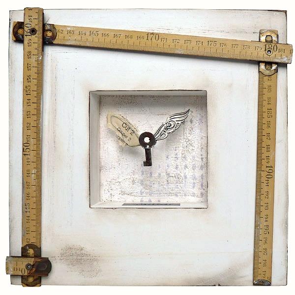 Imperfect, mixed media, assemblage sur plâtre et cadre en bois © 2012 Laly Mille