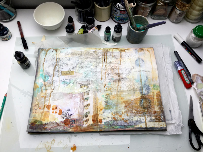 "Laly Mille - ""Book of Days"" art journal"