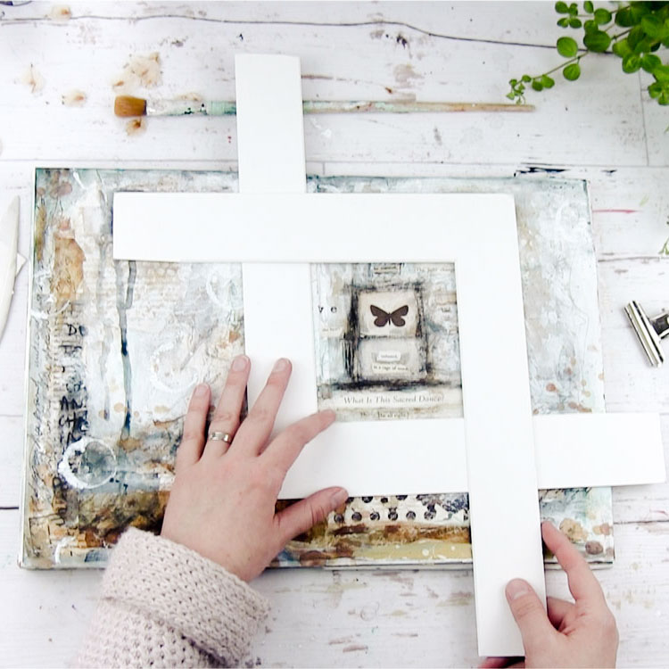 Laly Mille - THE ARTIST & THE JOURNAL online class. Grow your wings from page to canvas