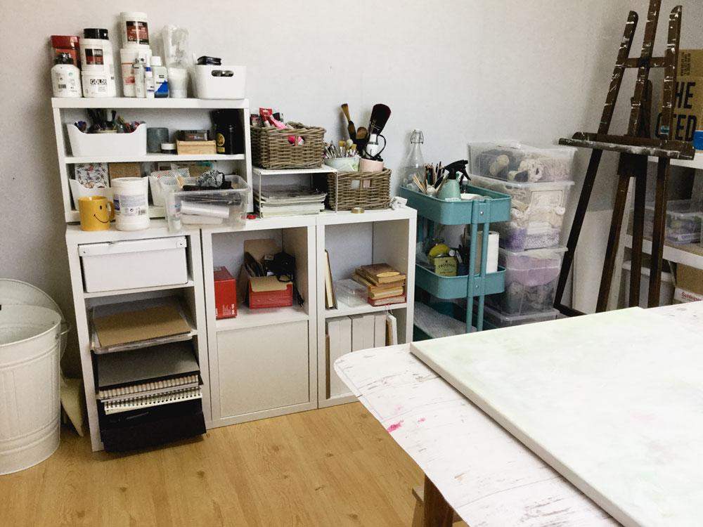 Studio-move-1-W.jpg