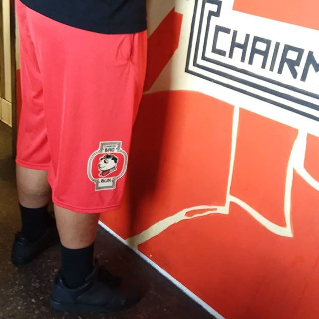 Trying to keep cool on this hot day by wearing #chairmanshorts from @newjerseysets...Stay hydrated by getting some Ginger Lemonade at @thechairmanla