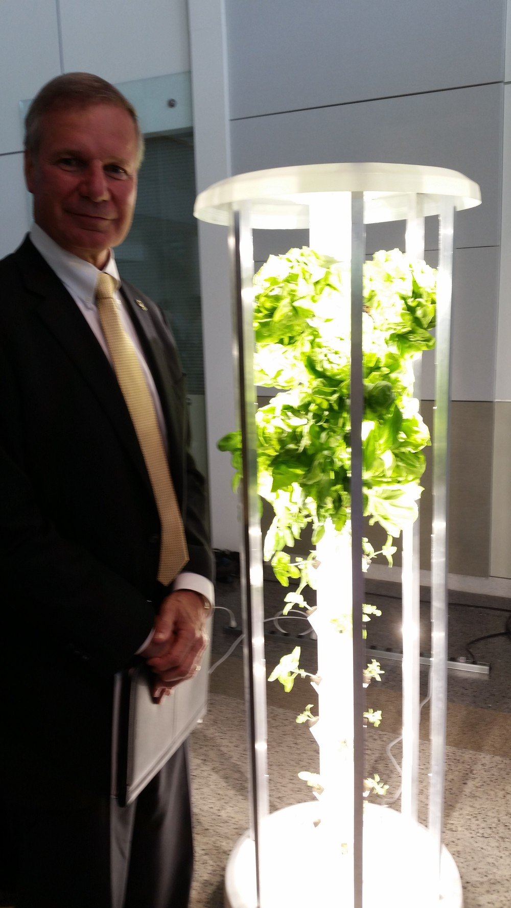 "Georgia Tech President George P. ""Bud"" Peterson checking out the nanofarm"