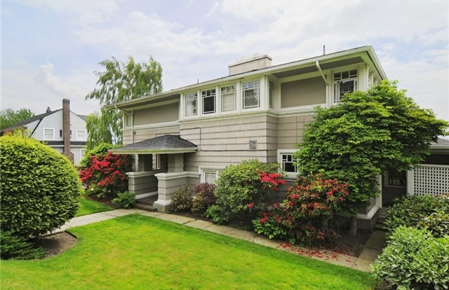 West Prospect Street | Seattle  Sold for $2,400,000   Represented the Buyer