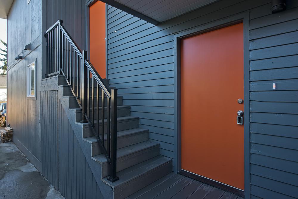 2 - ENTRY DOOR.jpg