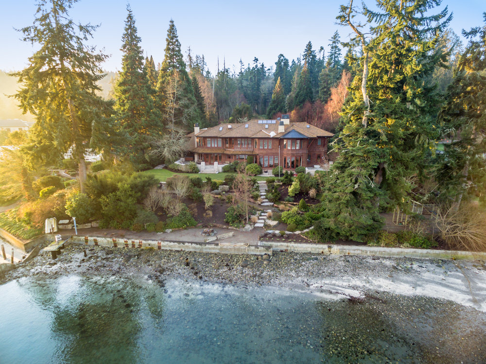 10770 NE Country Club Road | Bainbridge Island  Sold for $5,417,555   Represented the Seller