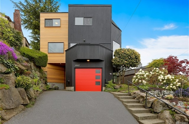4447 28th Place W | Seattle  Sold for $909,000   Represented the Buyer