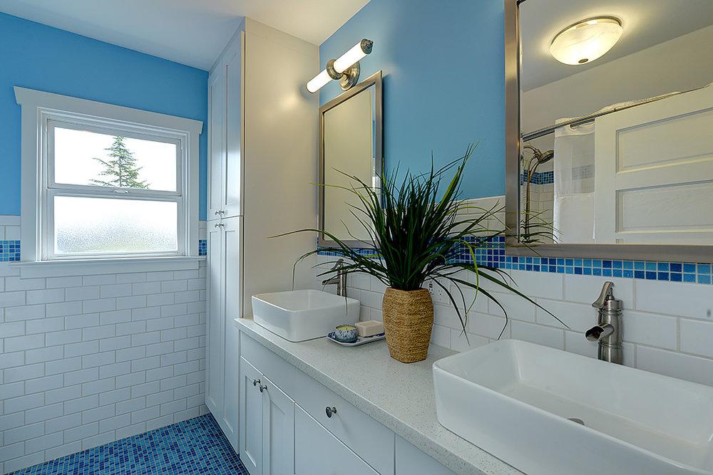 bathroom 2a.jpg