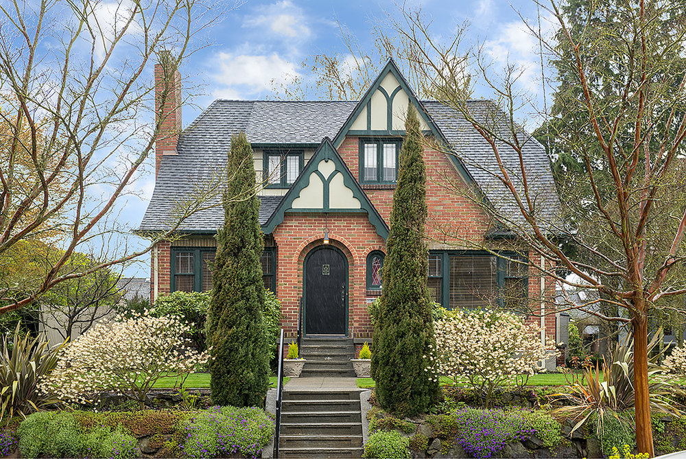 2925 28th Avenue W | Seattle  Sold for $1,225,000   Represented the Seller