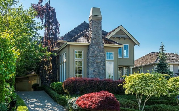 On The Market | Lakemont