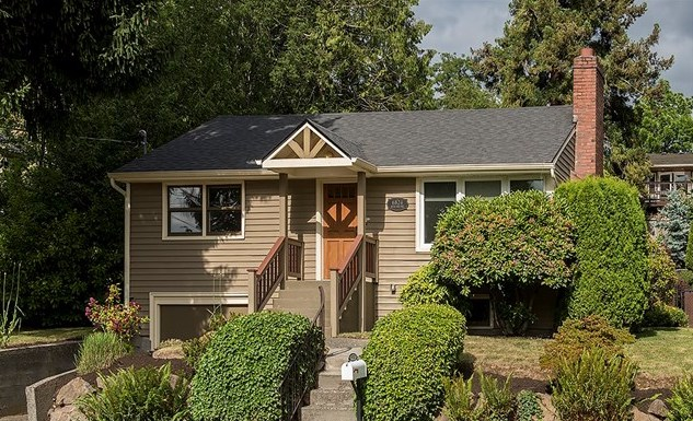 6824 46th Ave NE | Seattle Sold for $849,000    Represented the Seller