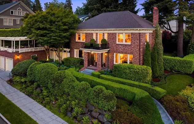 1005 E Blaine St | Seattle  Sold for $2,765,000   Represented the Buyer