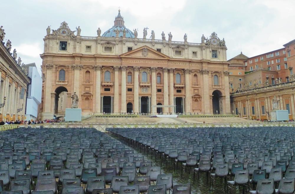 VaticanPiazza2nd Ed copy - Copy (1280x841).jpg