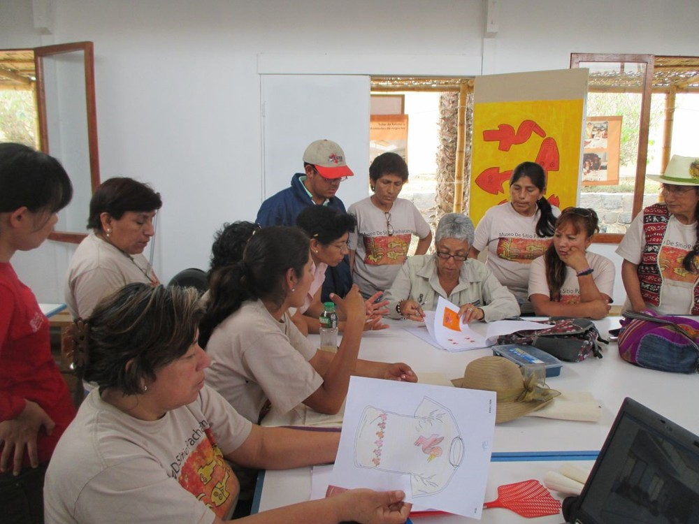 Models of Production and Sales of Artisans in Site Museum of Pachacamac Inaugurated - February 2014 (Spanish)