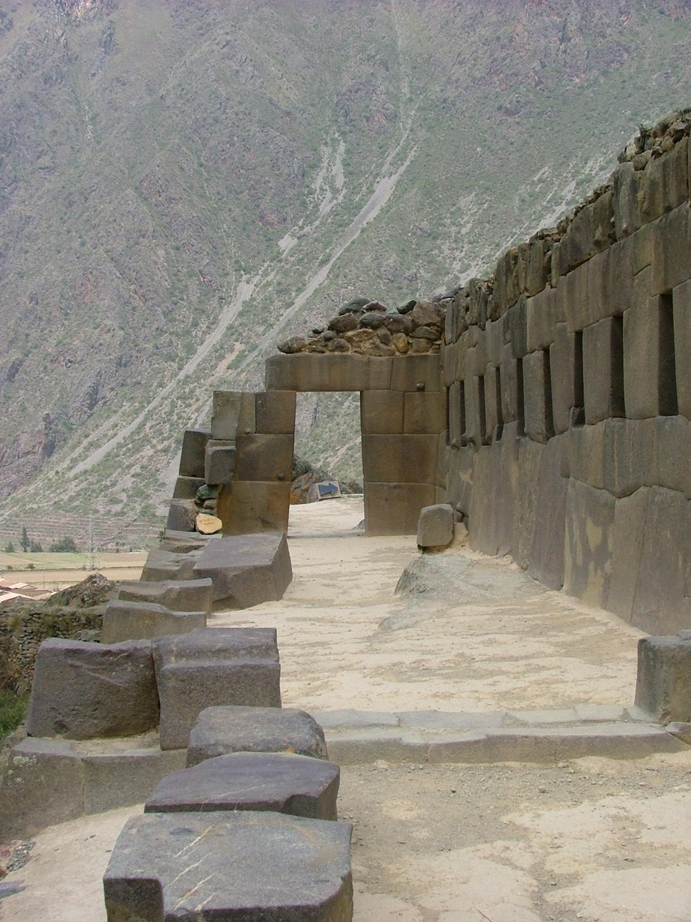 The Site   Within the Sacred Valley of the Incas near Cuzco, Ollantaytambo is famous for its Incan architecture. Steep terraces lead to a highly defensible fortress where local forces defeated the conquistadors in battle in 1536. Inside the fortress is also a ceremonial center, the stones for which were transported from over 6km away.