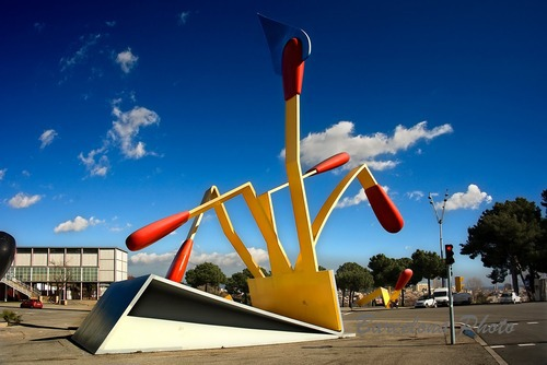 "Claes Oldenburg, ""Mistos (Matches)"" (1992). Image credit:  Photo Barcelona ."
