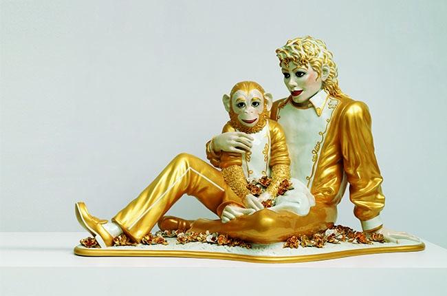 Jeff Koons.Michael Jackson & Bubbles(1988). Image credit:Billboard.