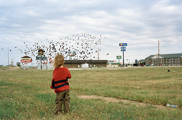 "Justine Kurland, ""Untitled (Birds),"" 2008. Image credit: Aperture Foundation."