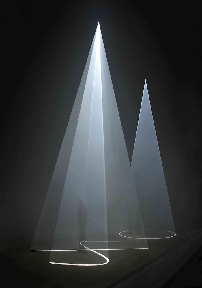 Anthony McCall,  Between You and I , 2006. Installation view, Peer/the Round Chapel, London. Image courtesy of Wikimedia.