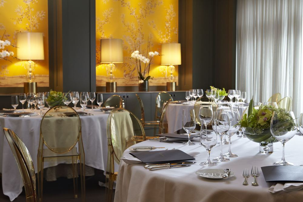 the private dining room with its own dedicated kitchen and private chef accommodates up to 45 guests for a seated dinner and 65 guests for a standing - Private Dining Rooms