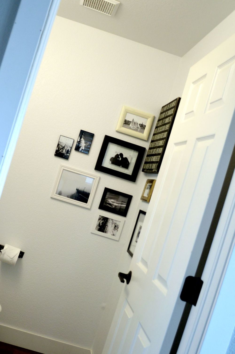 Corner Gallery Wall 17.jpg