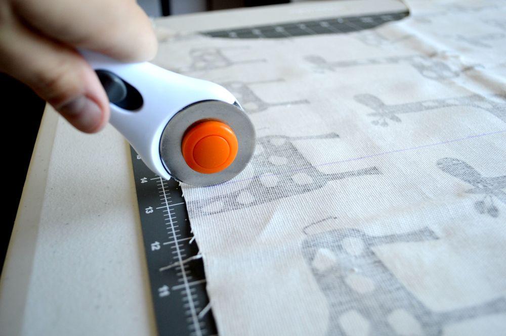 DIY Circle Monogram Pillow Applique 6.jpg