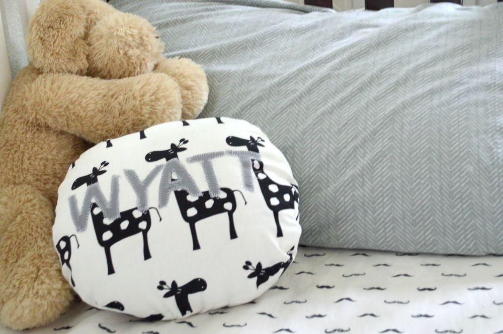DIY Circle Monogram Pillow Applique 20.jpg