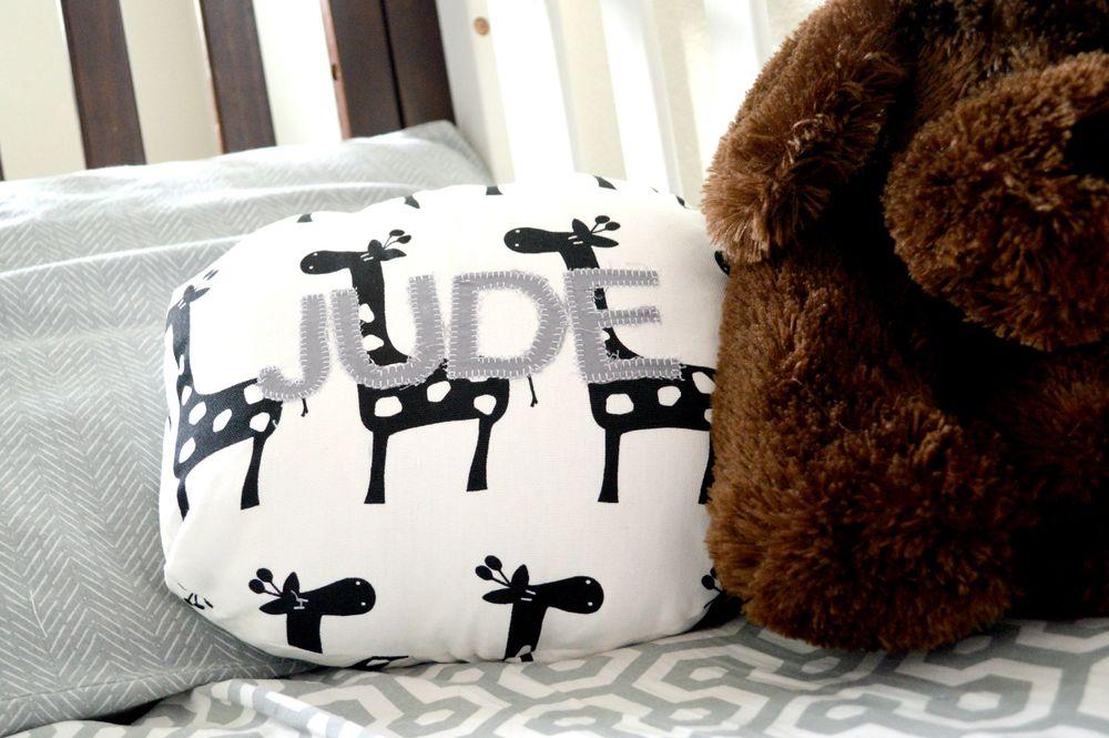 DIY Circle Monogram Pillow Applique 19.jpg