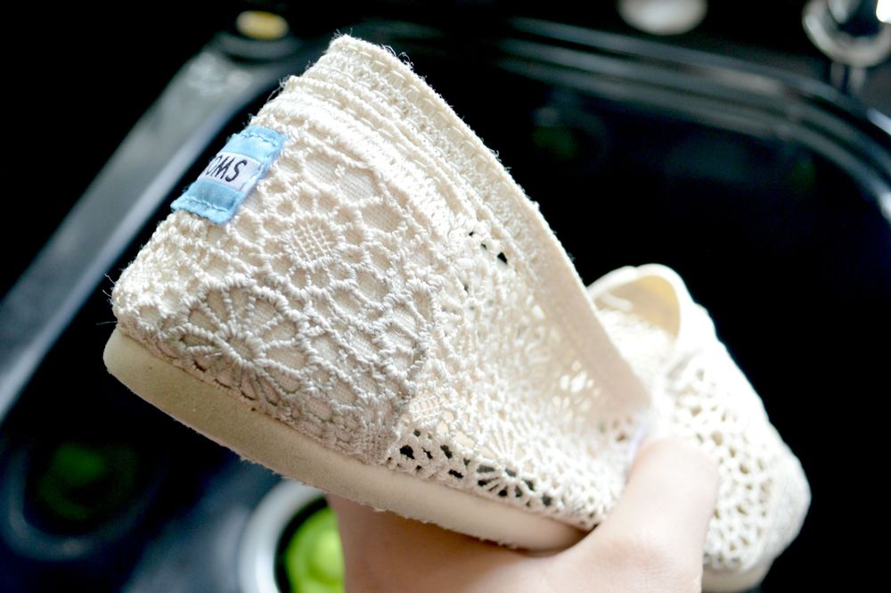 How to Clean Your Canvas Shoes Toms 2.jpg