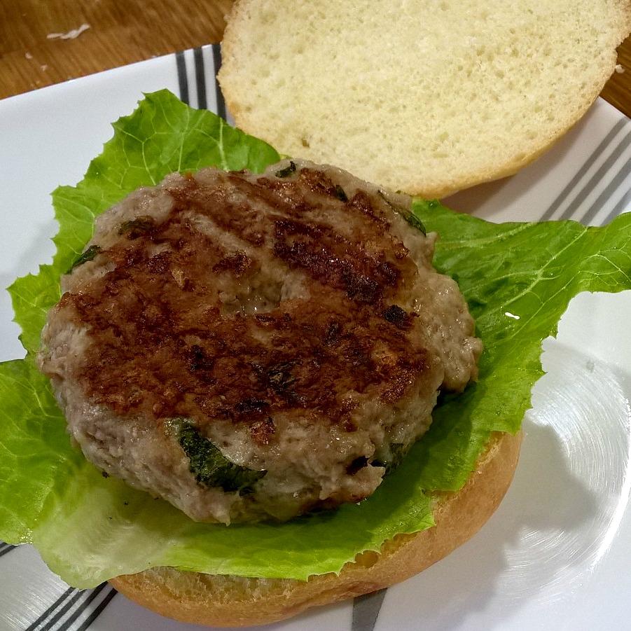 Caprese Turkey Burgers 11.jpg