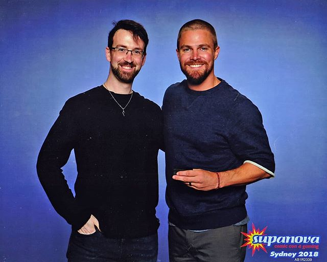 How was everyone else's weekend? I only got a photo with Stephen Amell!!! 😃 swipe to see the Sterling Silver Arrow Cufflinks he's holding --------------------  Had a great weekend at Supanova Sydney, looking forward to next year. #Arrow #GreenArrow #DC #StephenAmell #Cufflinks #SterlingSilver #Silver #Supanova #GuildJewellery