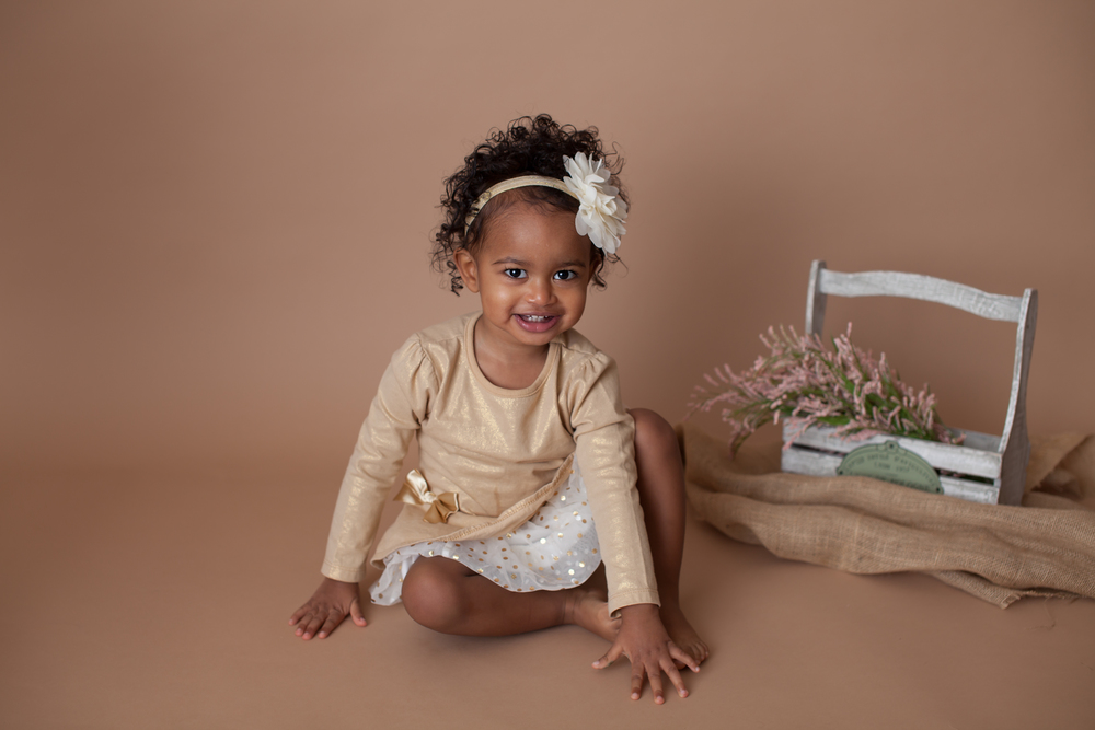 Worthington child photographer, photography in Powell Studio