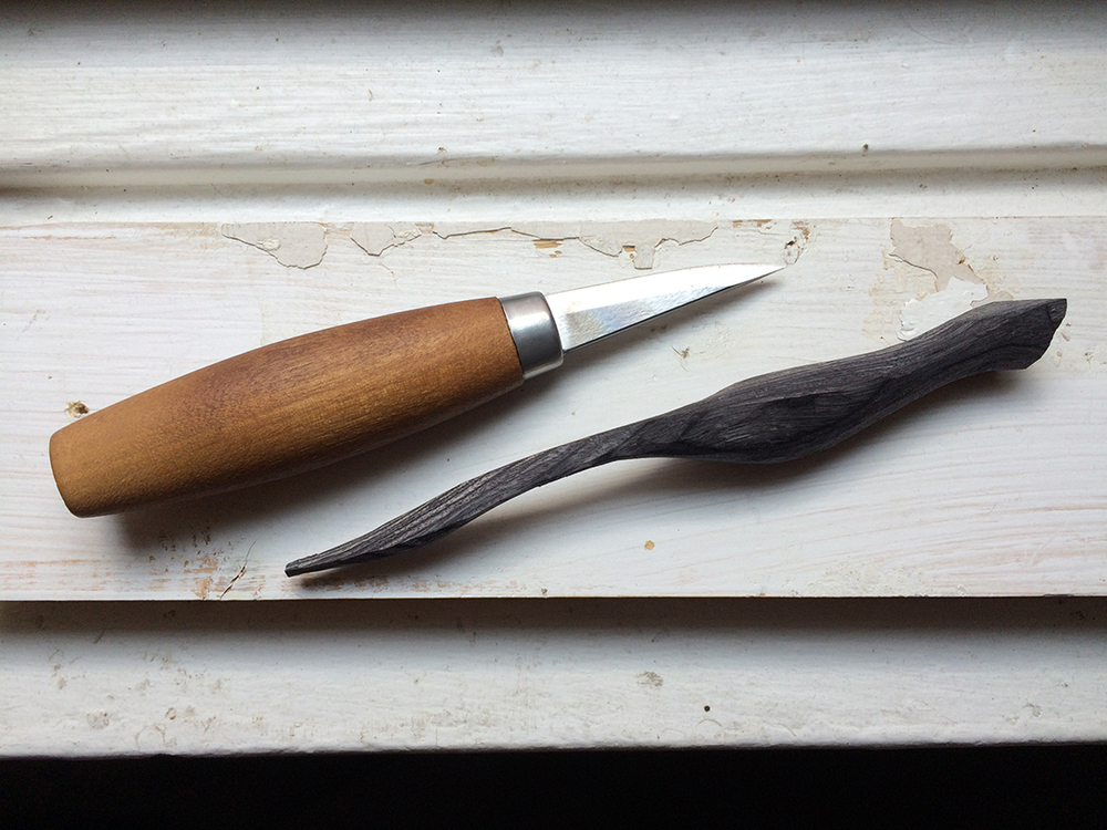The basic shape of the pen is roughed out with a small carving knife in accordance with the measurements and grip photo/s provided.