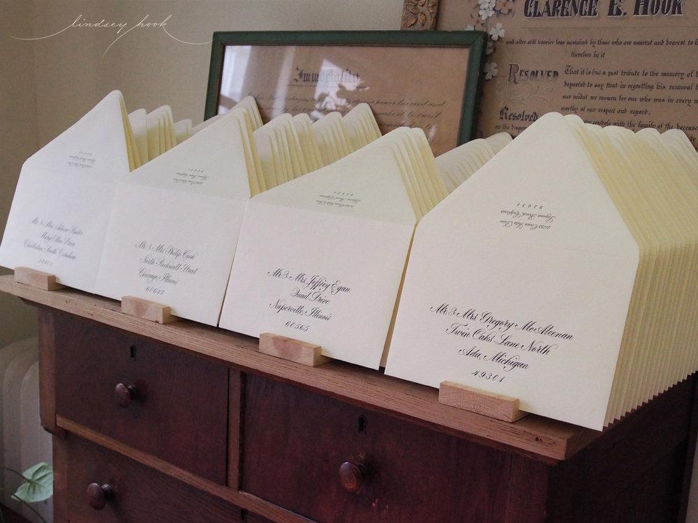 Parfumerie Font Match Outer Envelopes