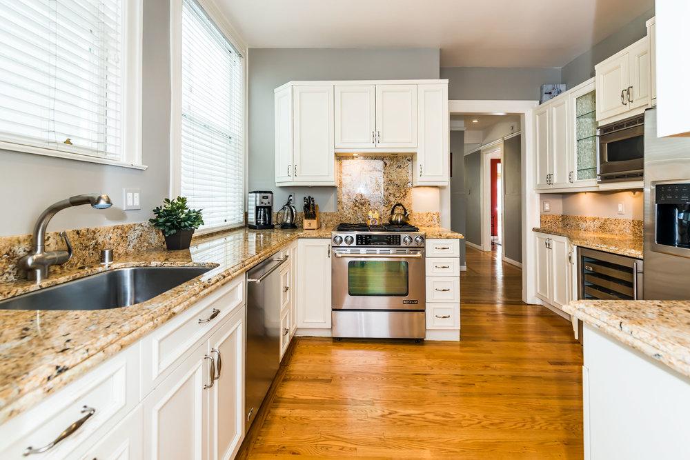 Kitchen-5-MLS.jpg