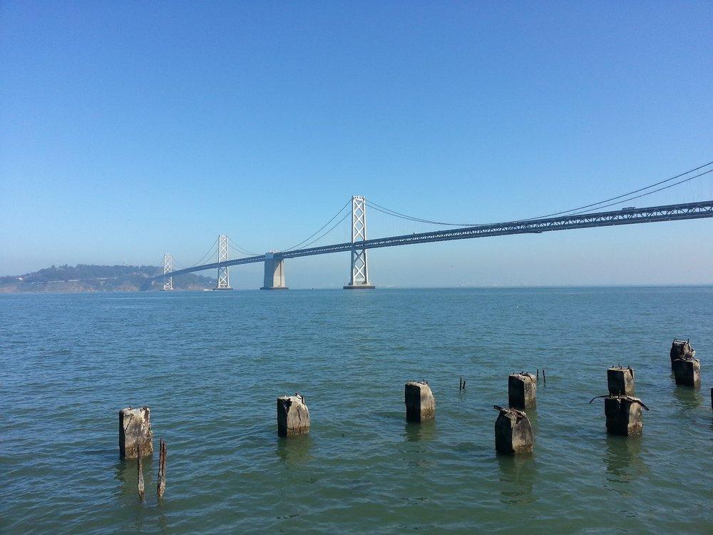 bridge-2066915_1920.jpg