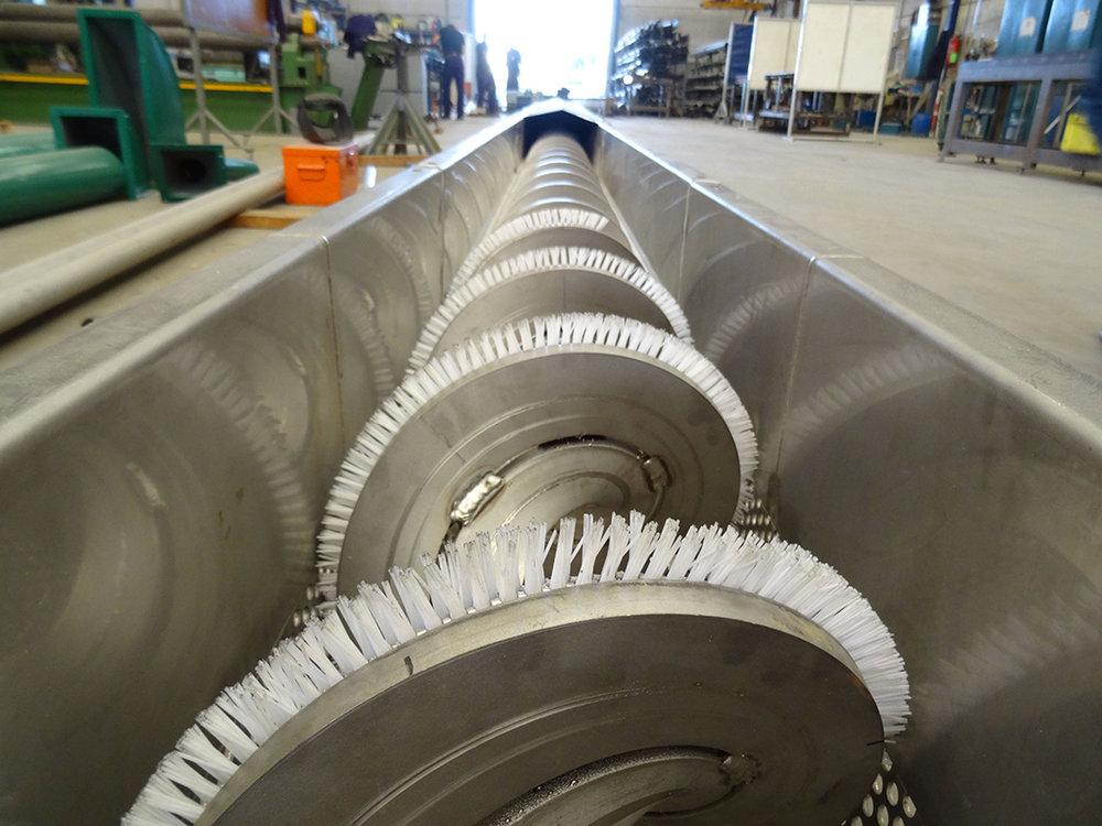 Construcción e instalación de sinfín para cítricos en industria alimentaria