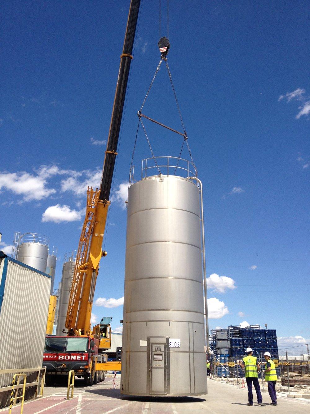 Desmontaje, traslado e instalación de silos de gran envergadura