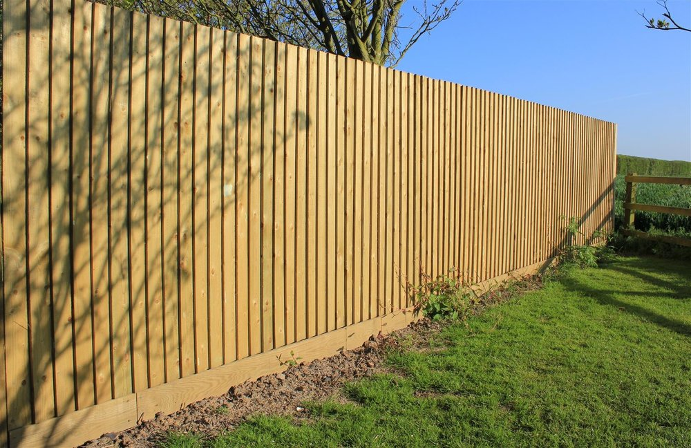 feather edge fencing.jpg