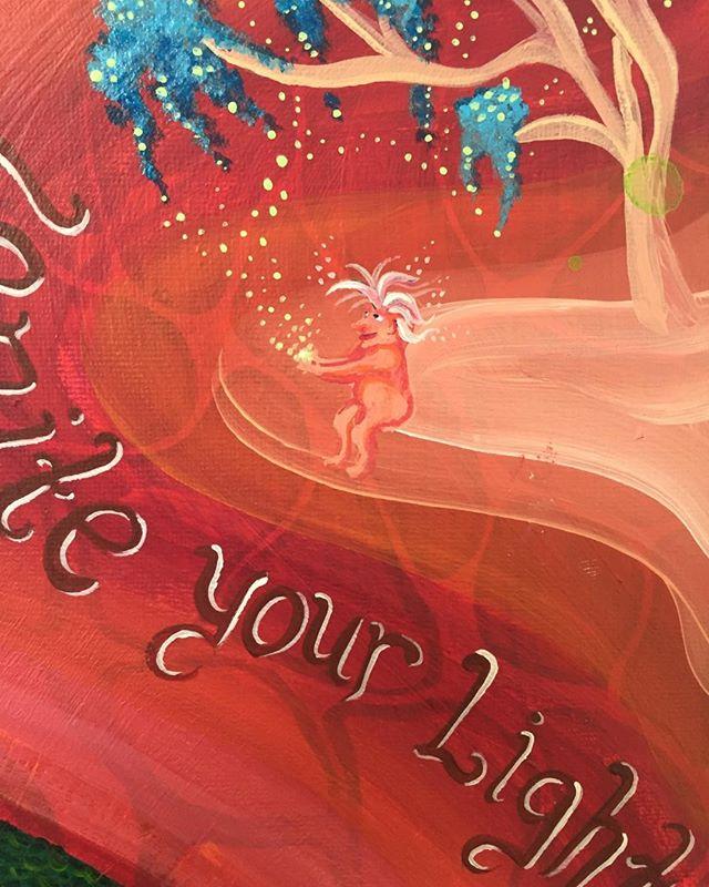 Nattsudd & slutvernissage på Jennifers härligt färgglada utställning imorgon Tisdag 11e Juli!! Baren öppen fr kl 19, Jennifer är här kl 20!! Välkomna!🥂🍾🤗#nattsudd#champagne#naturligtvin#byggmästarensbästa#cocktails#gwairoch#maszenitude#dehours#vinnature