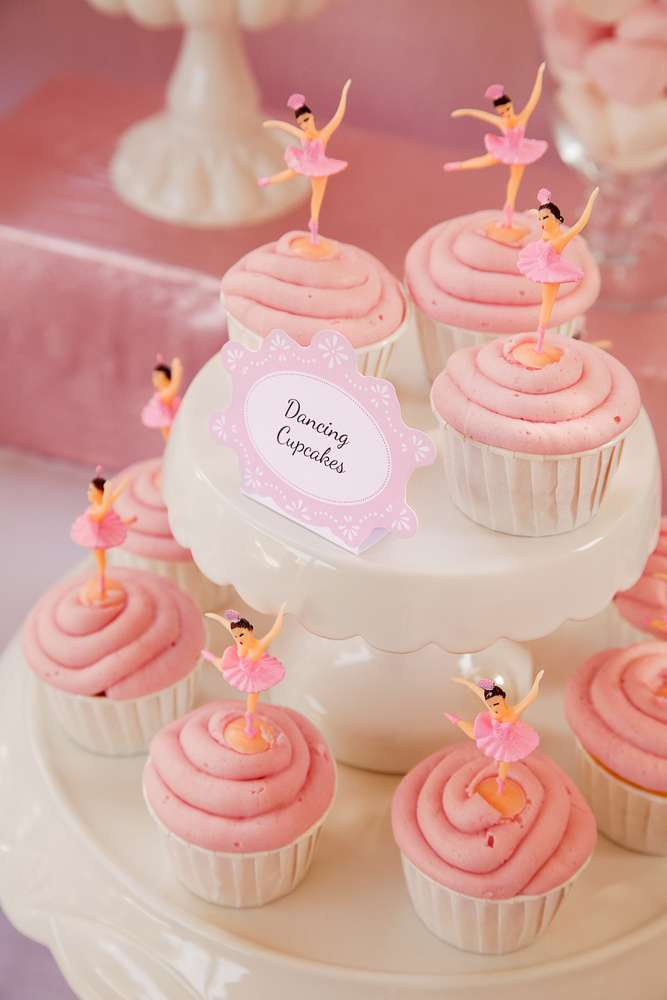 30 dancing cupcakes - catchmyparty.jpg