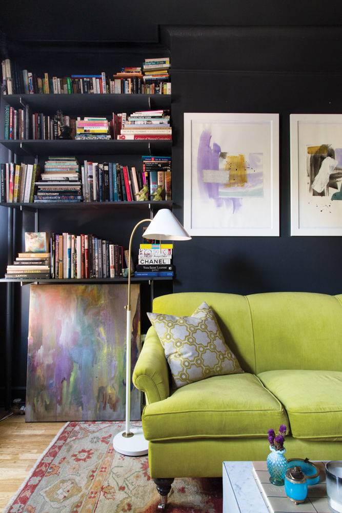 20 living-an-artist-s-life-black-and-green-living-room-56536bbec0bc6a033af6d7ec-w1000_h1000.jpg